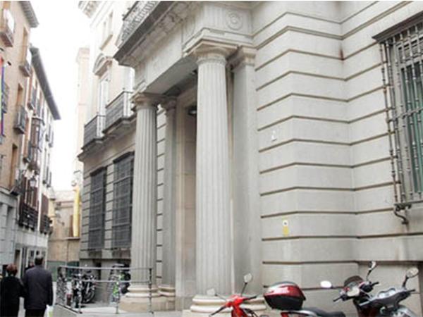 Monrabal rehabilitaci n de la antigua sucursal del banco for Numero del banco exterior